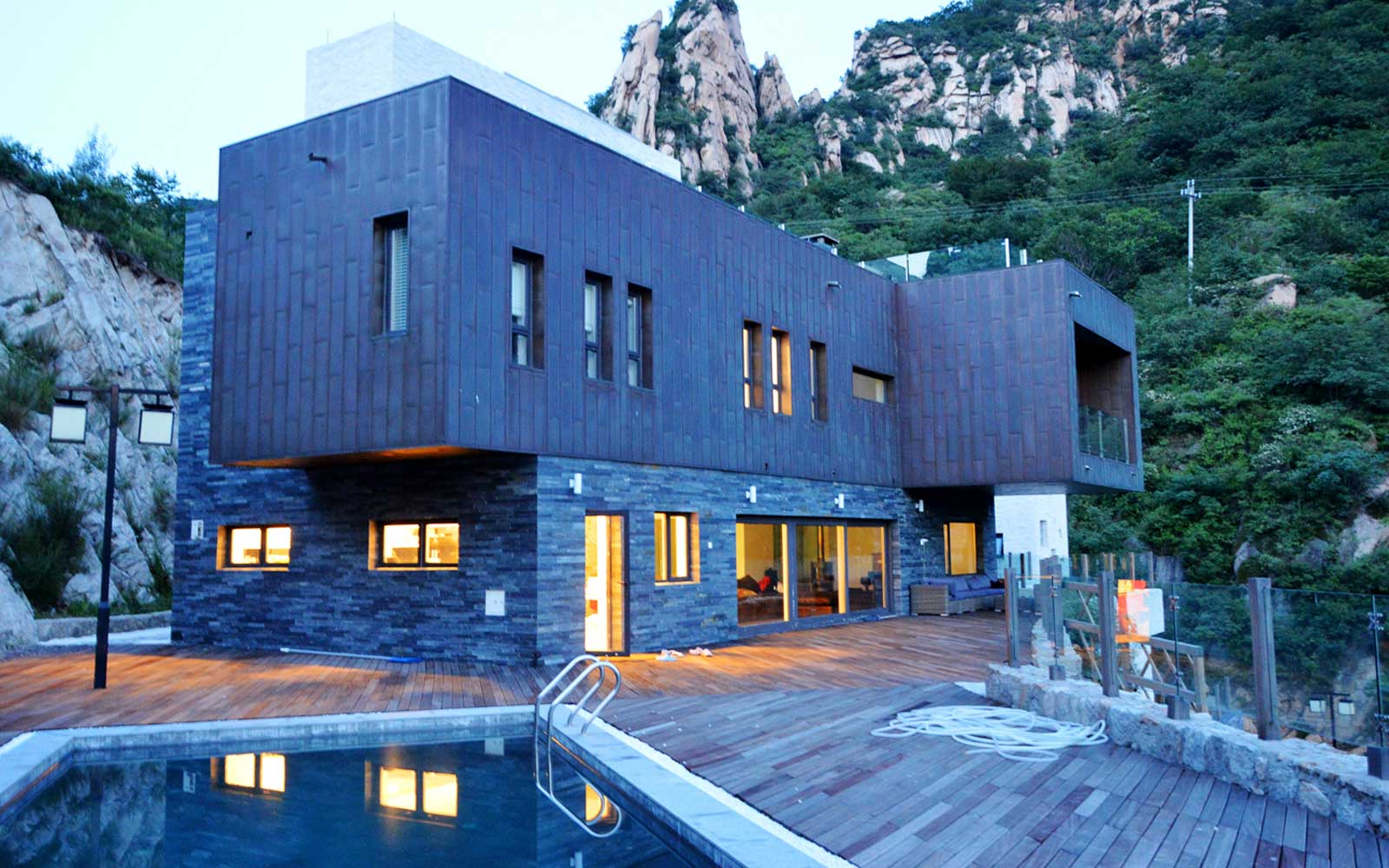 Stay in a Villa on the Great Wall of China
