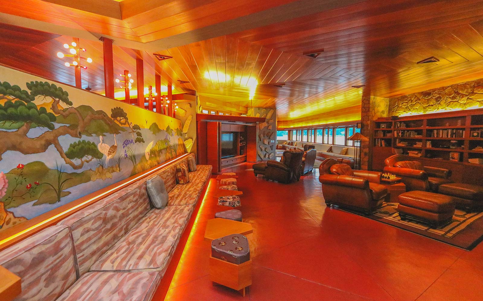 Frank Lloyd Wright Architecture Petra Island New York Massaro House Sale Main House Living Room Artwork