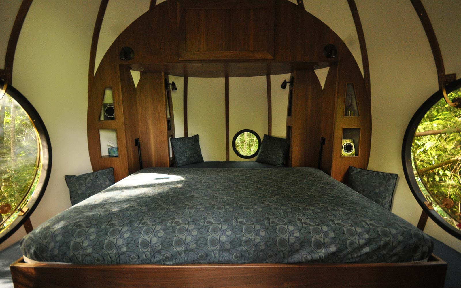 Free Spirit Spheres Suspension Vancouver Island Canada Forest Lodging Hotel Accommodation