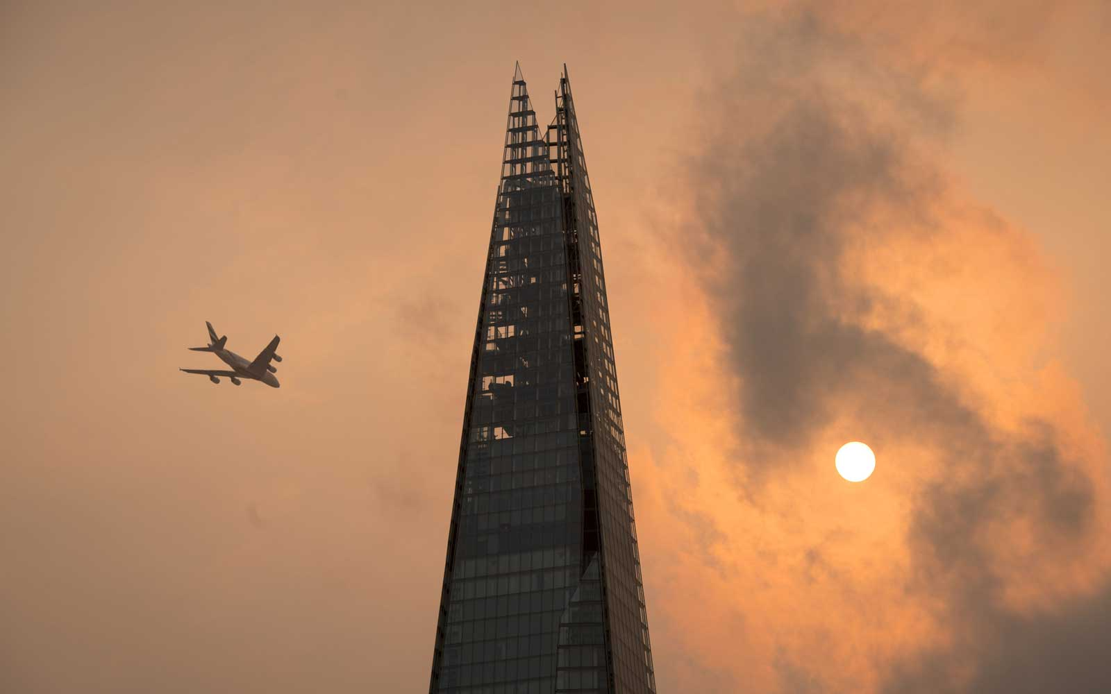 Central London Red Sun