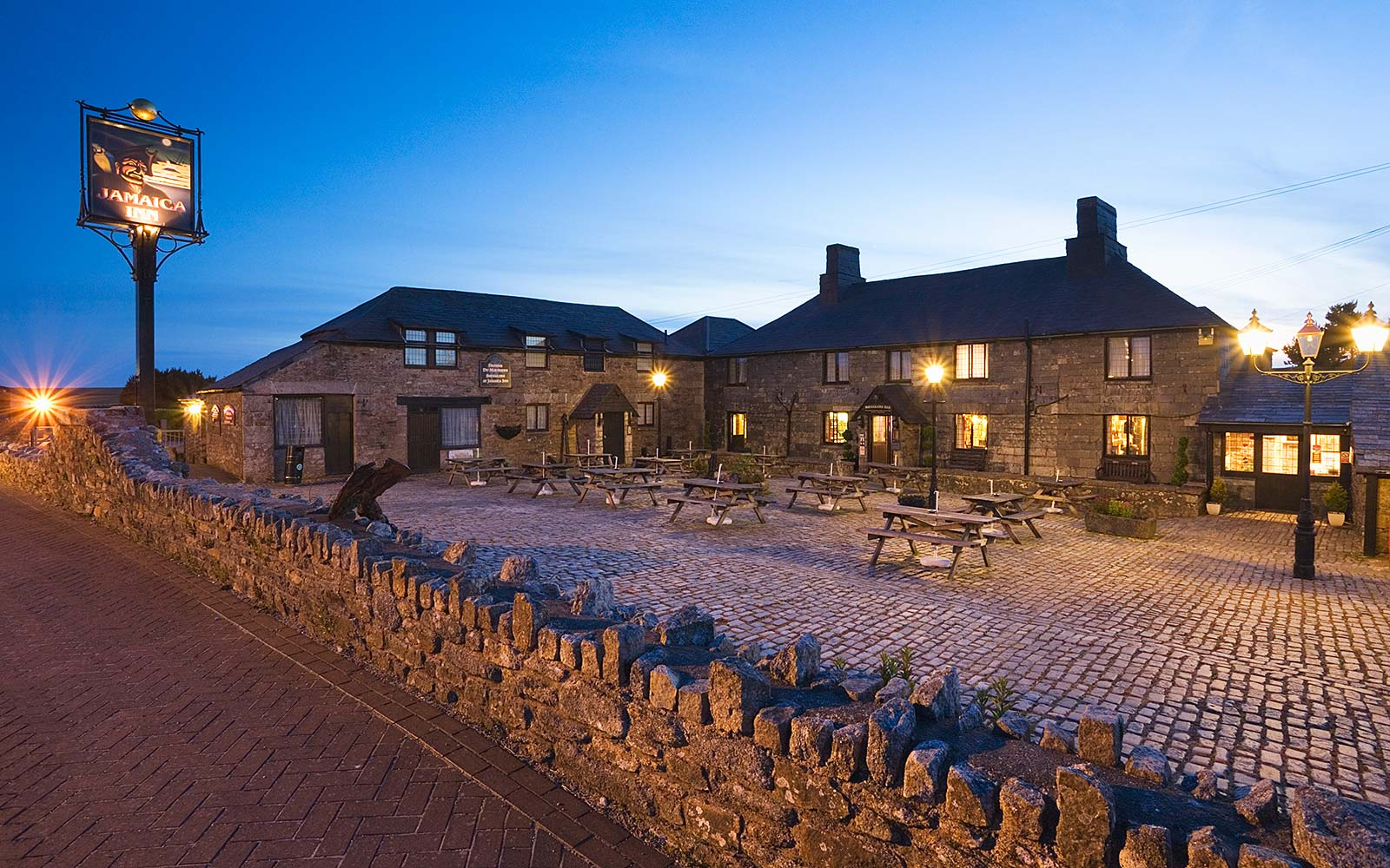 jamaica inn hotel bodmin moor cornwall england haunted castle