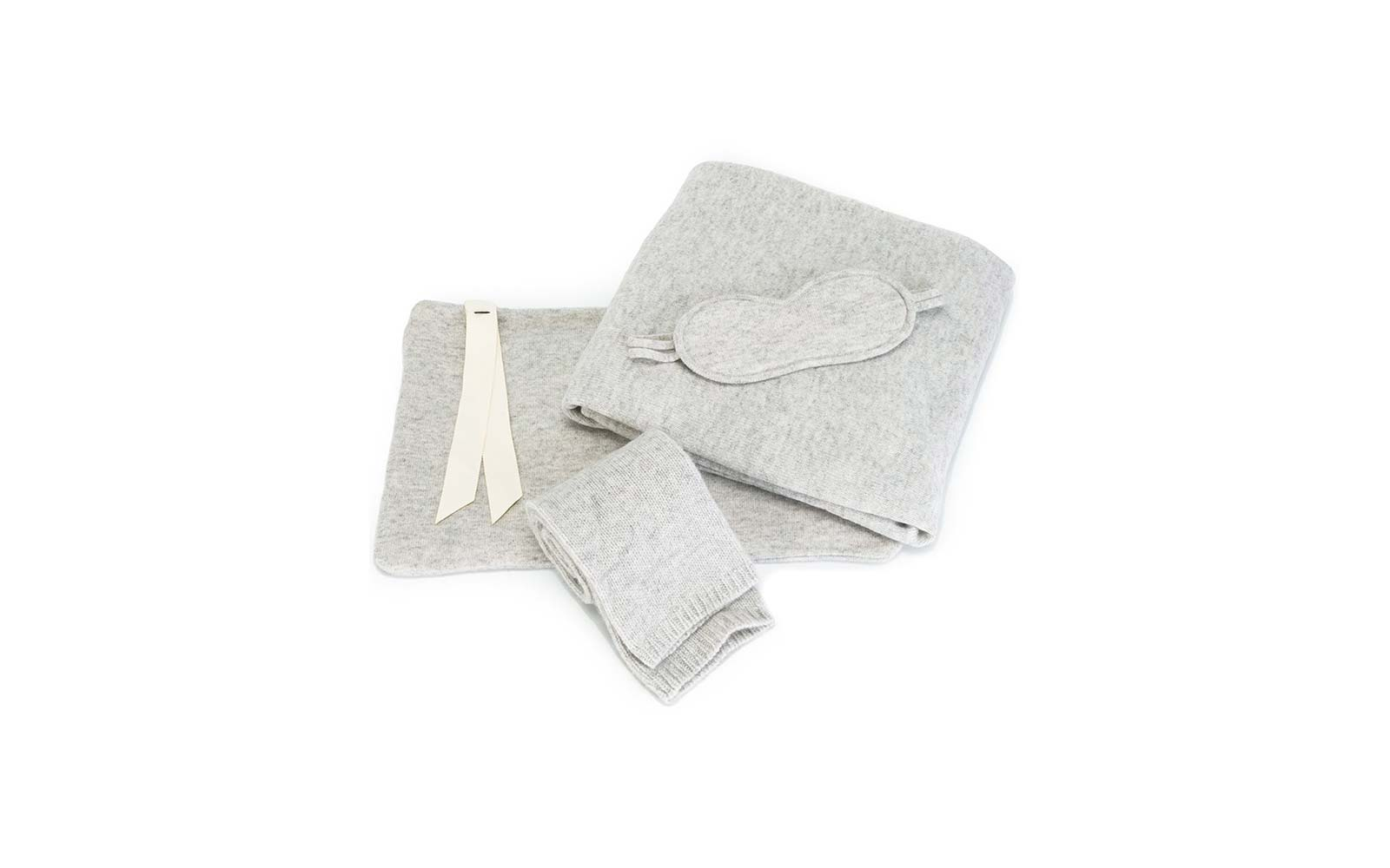 le kasha cashmere travel set