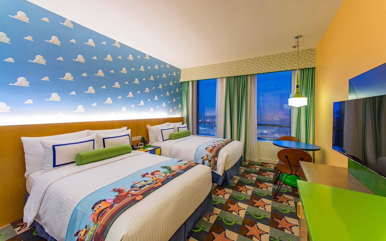 toy story hotel shanghai disney resort