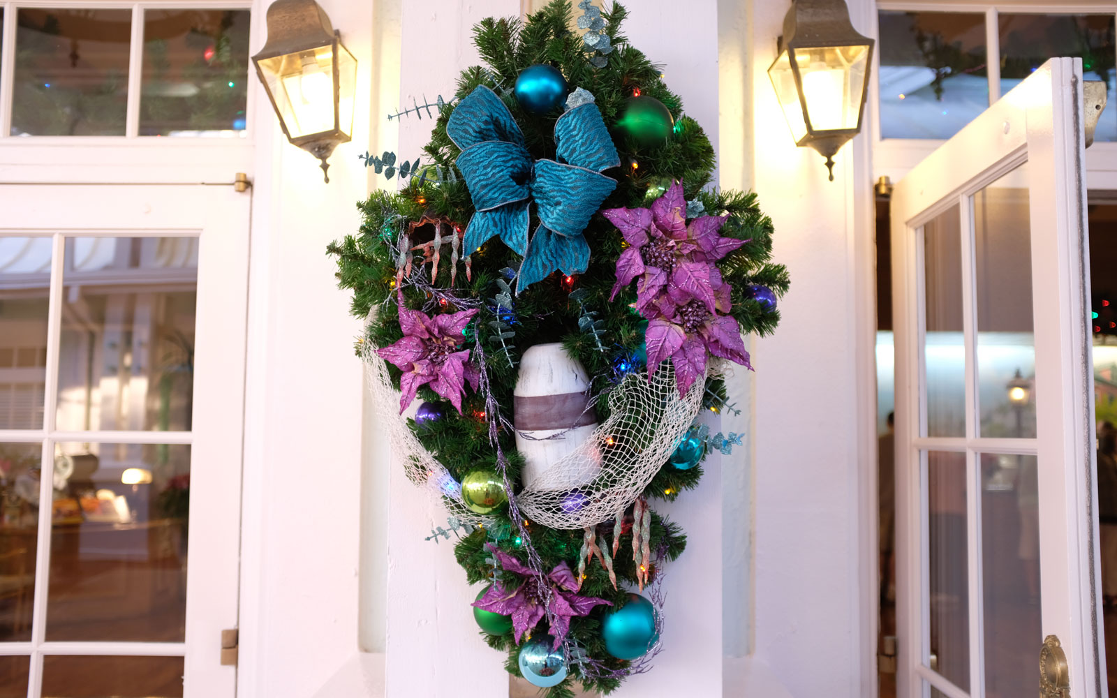 Old Key West hotel wreaths