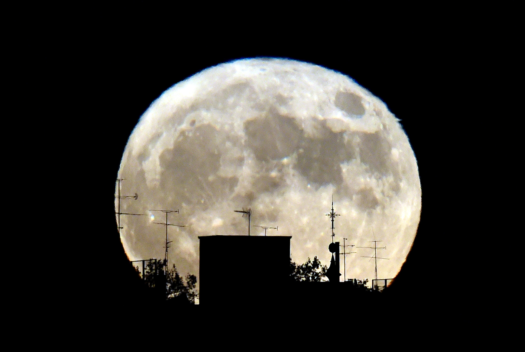 The supermoon from November 2016