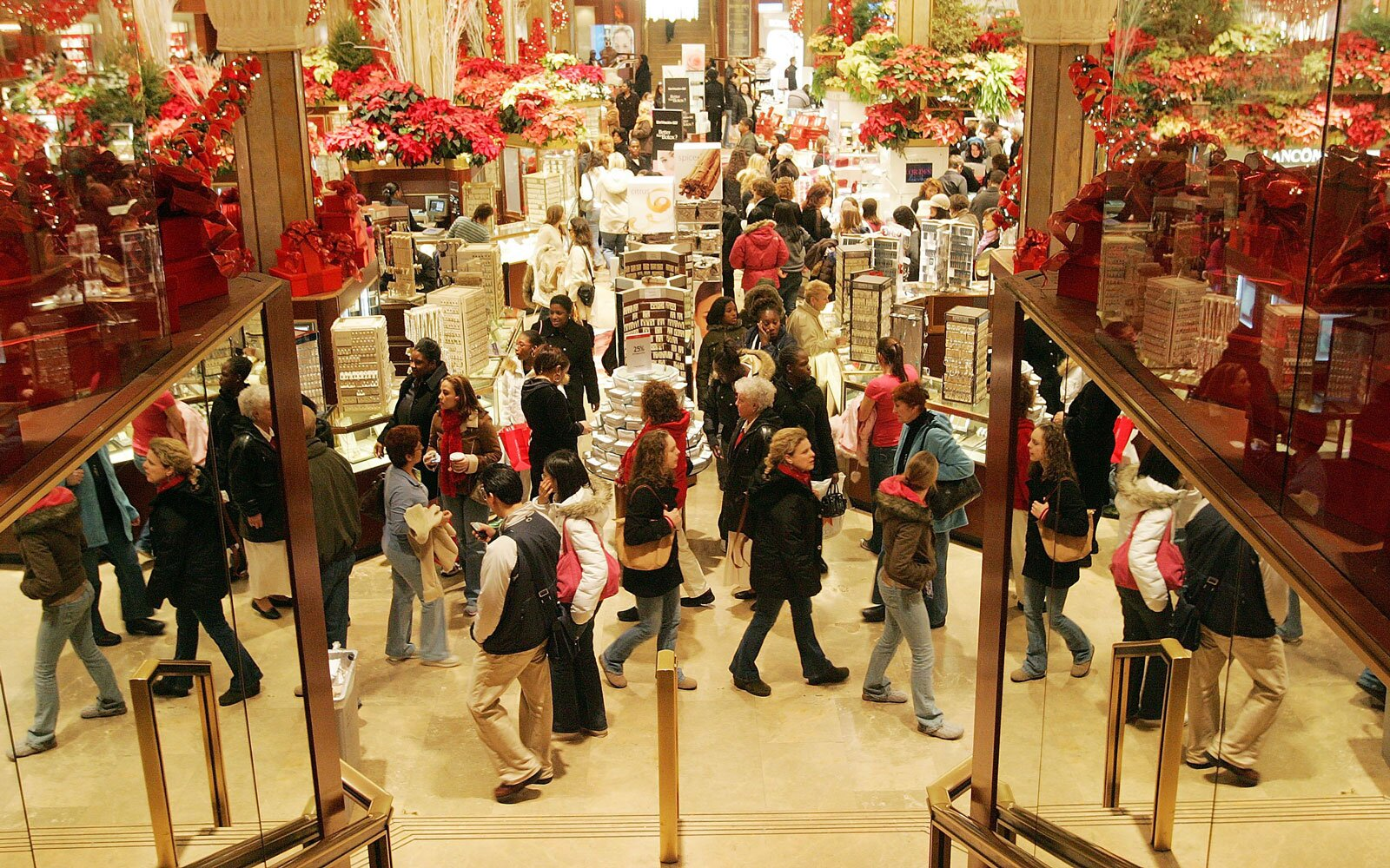 Here Are The Stores That Are Open On Christmas Day Across The Country Travel Leisure
