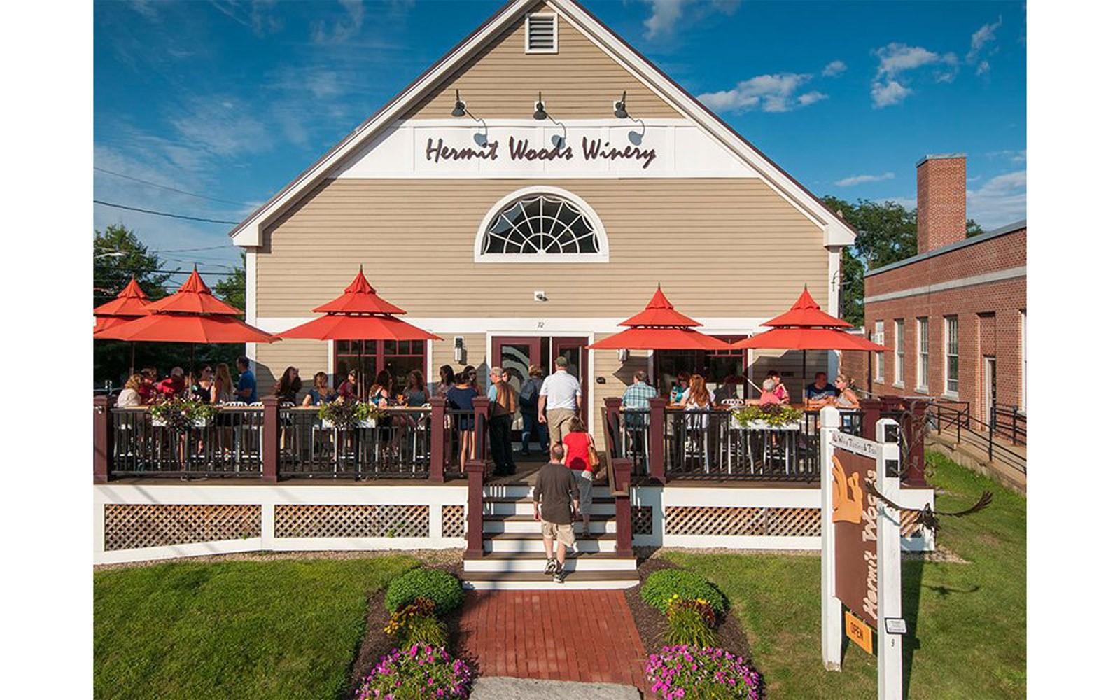 New Hampshire: Hermit Woods Winery