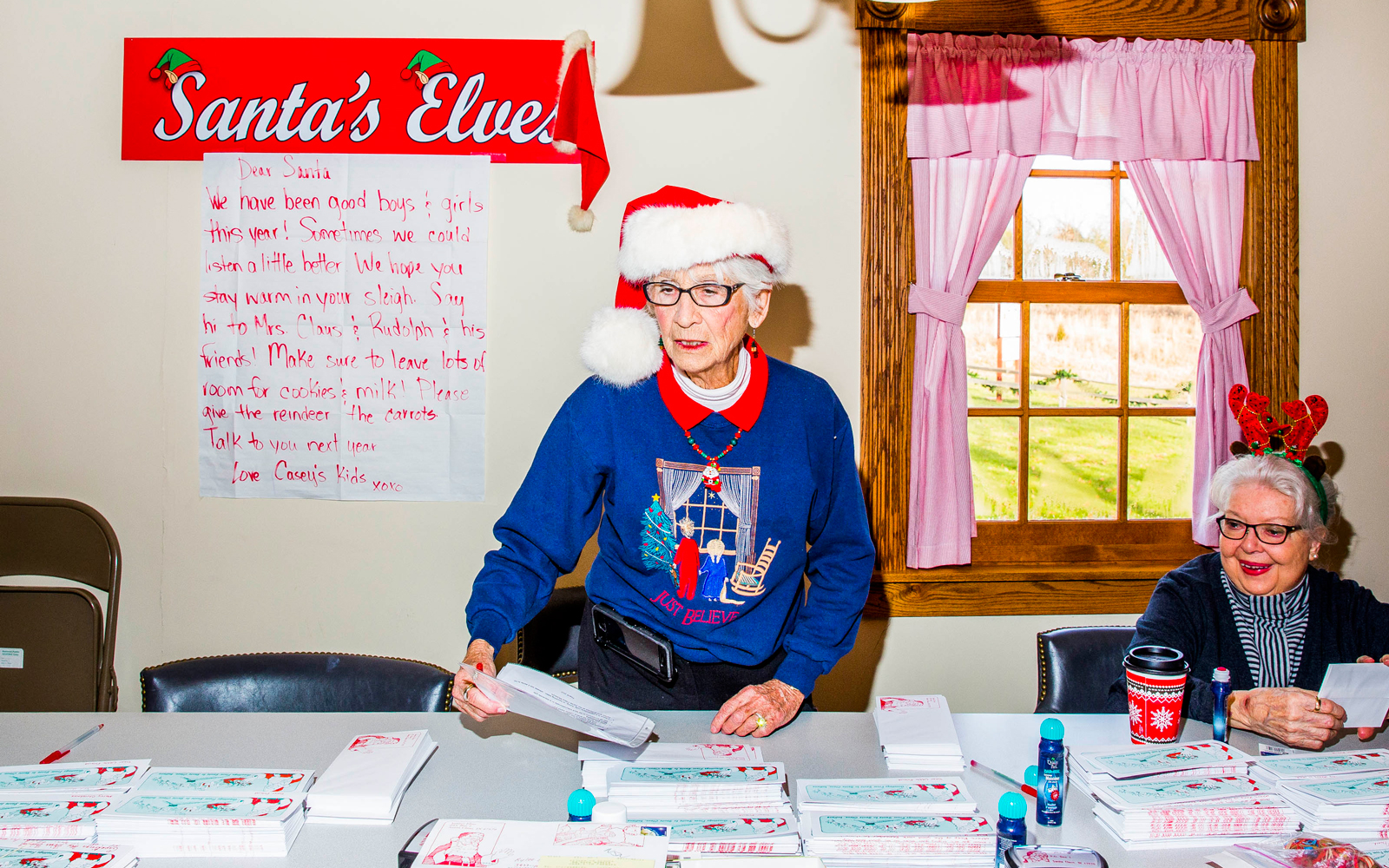 Santa's Elf volunteers
