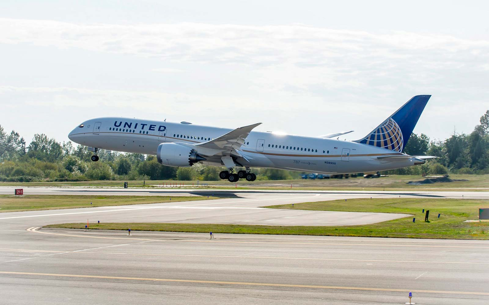 United Airlines Boeing Dreamliner 787 airplane