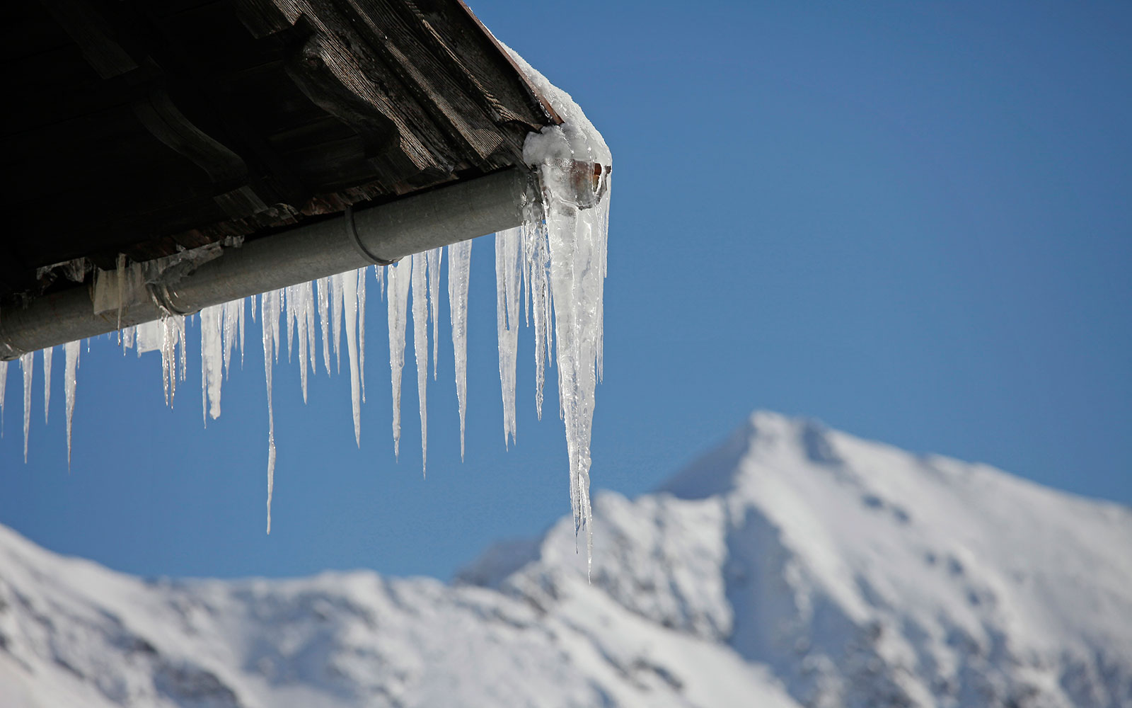Frozen House Water Pipes Winter