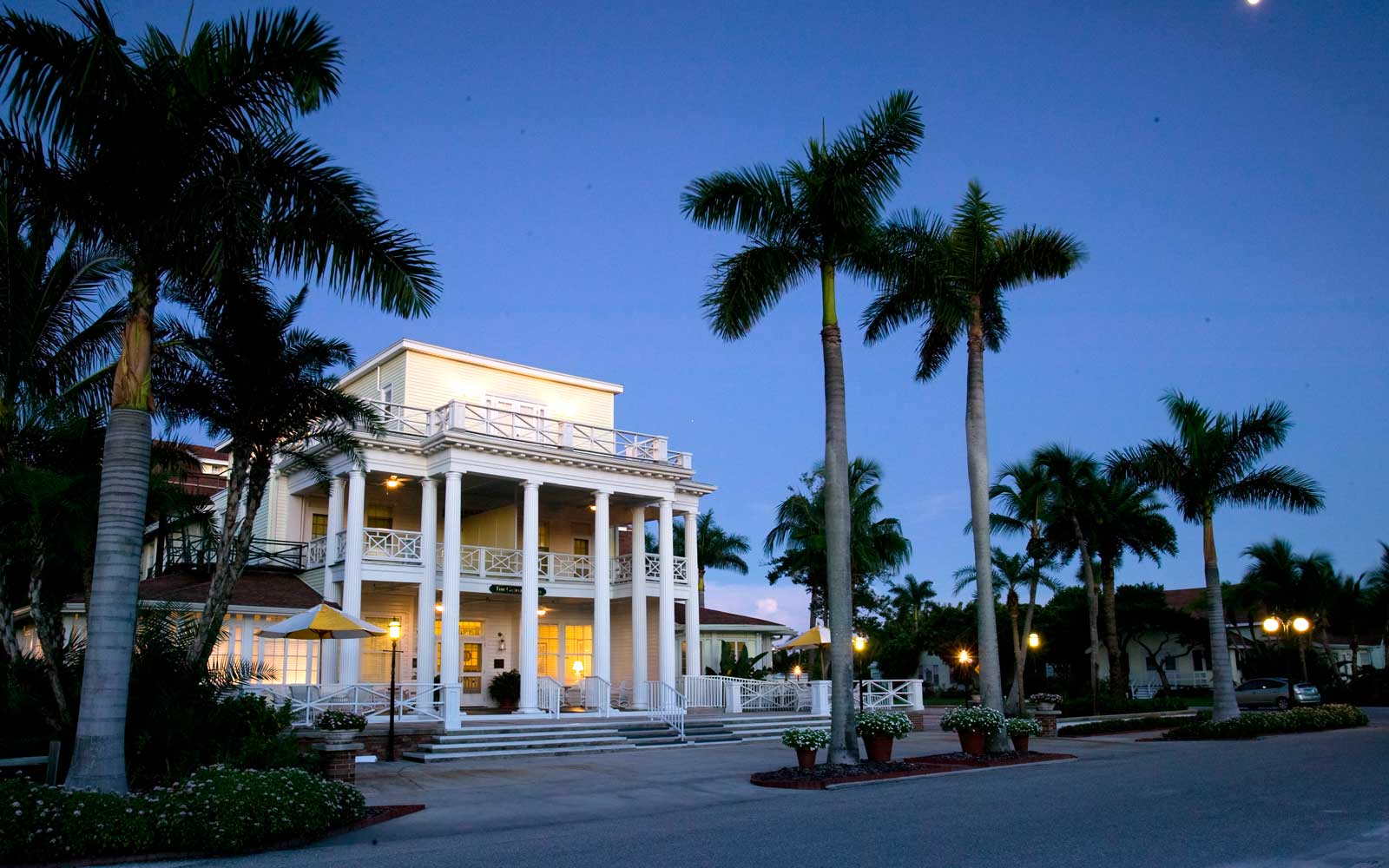 Exterior of the famous Gasparilla Inn Hotel in Florida