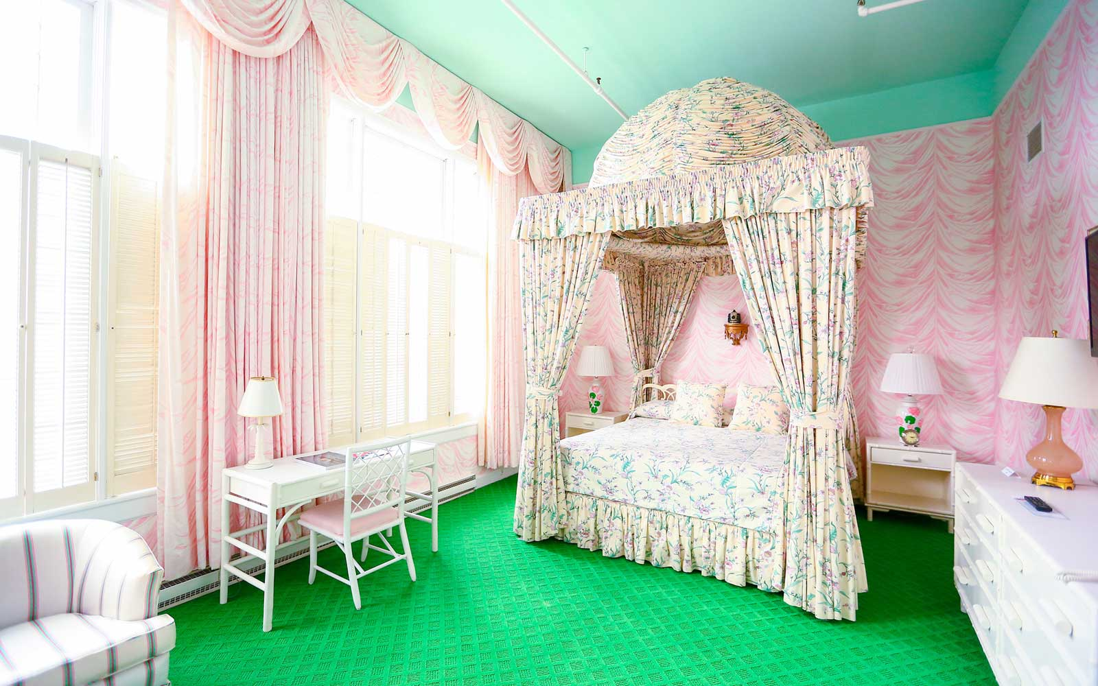 Colorful room at the Gran Hotel Mackinac Island