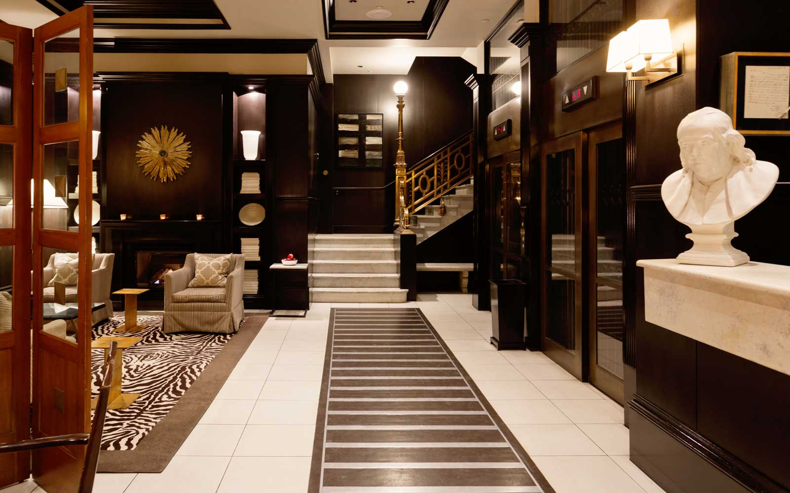 Lobby of the XV Beacon Hotel