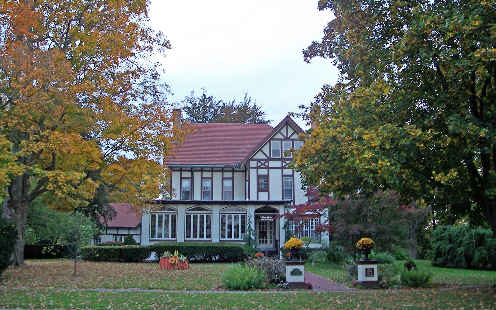 Vintage Gardens Bed & Breakfast: Newark, New York