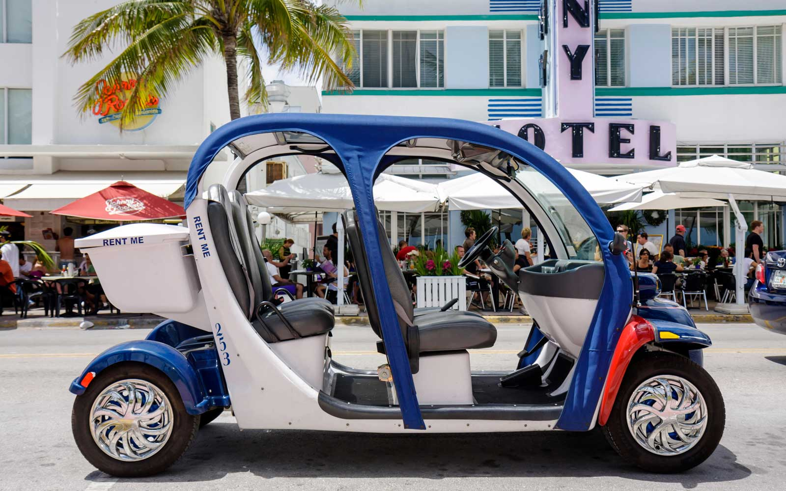 Electric car for rent in Miami, Florida