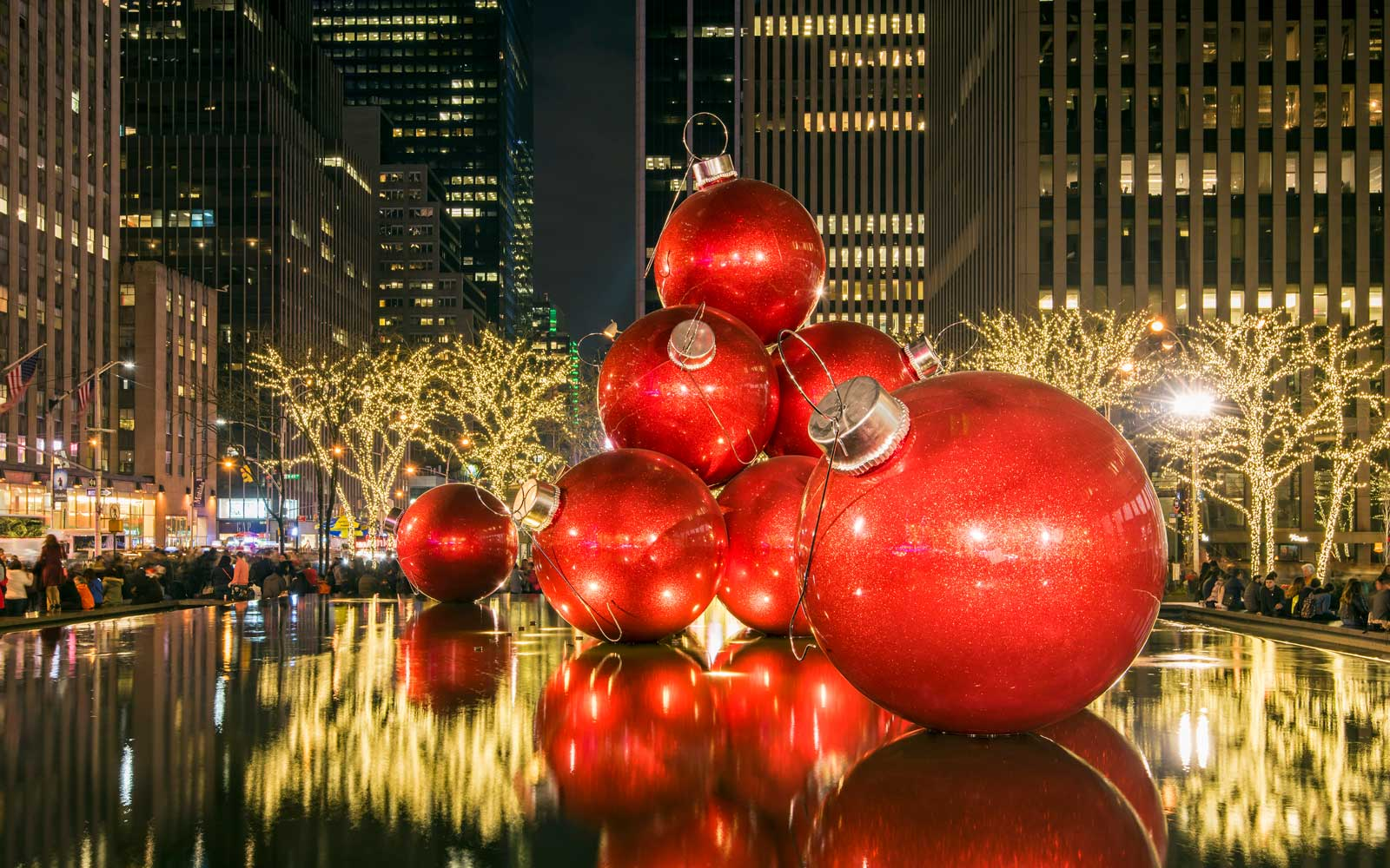 New York can be one of the more affordable locations in North America to fly to for the holidays this year.