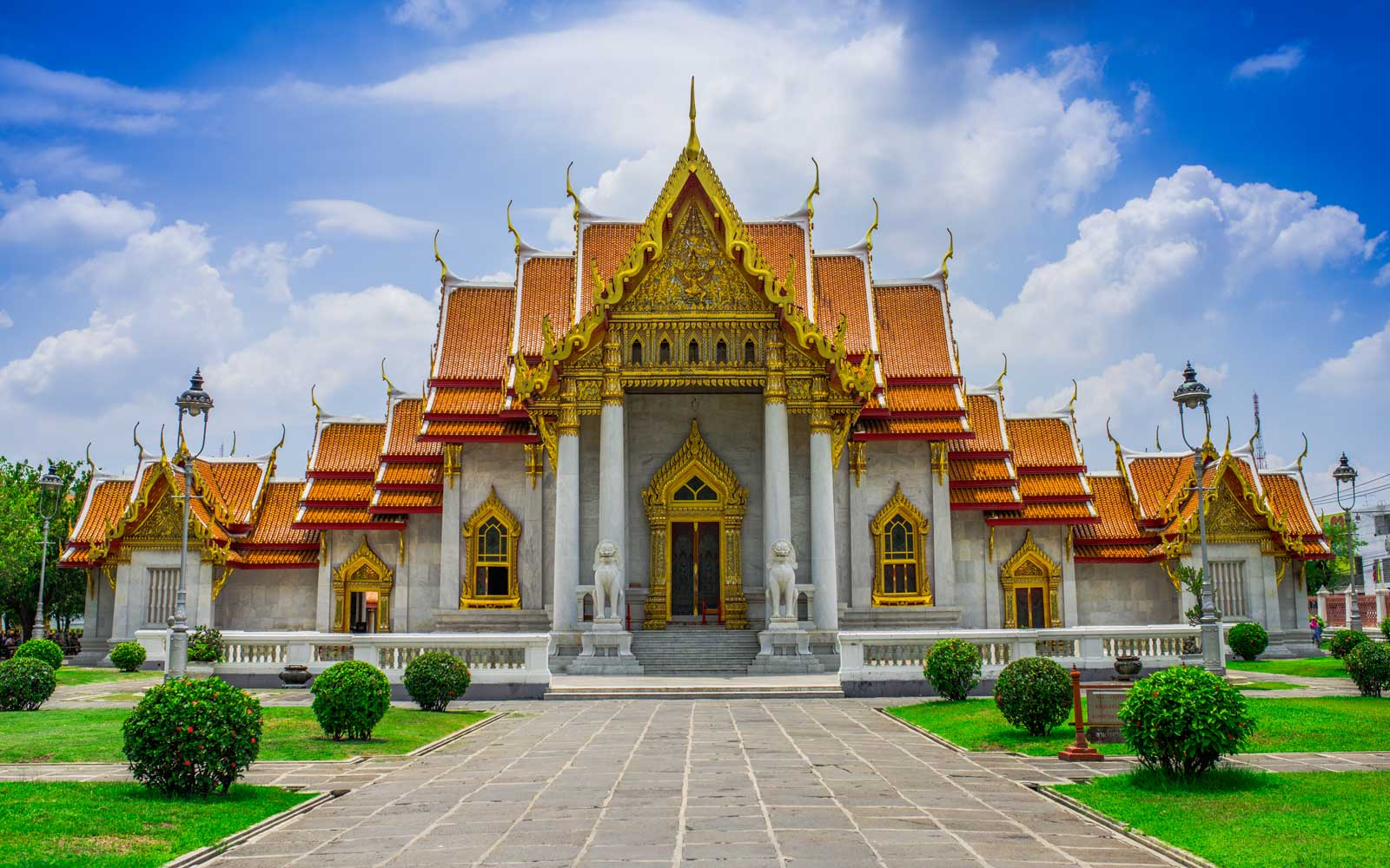 The Marble Temple in Bankgok, Thailand. (Wat Benchamabophit)