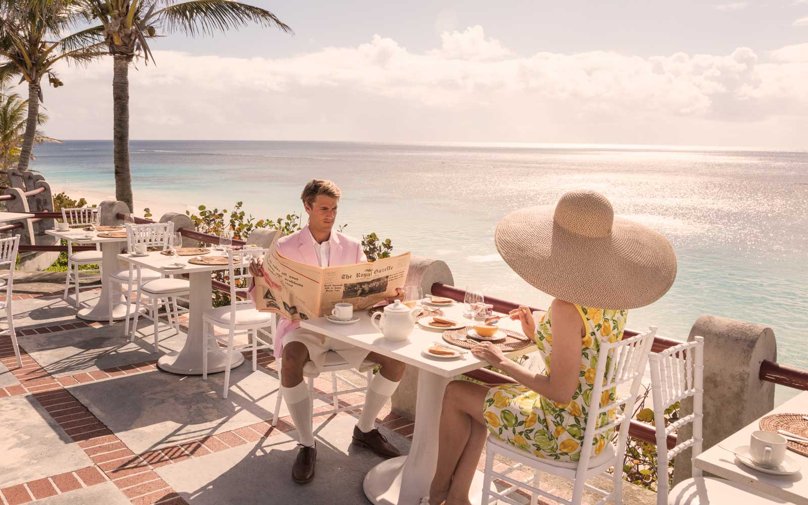 The Coral Beach and Tennis Club provides outdoor dining.