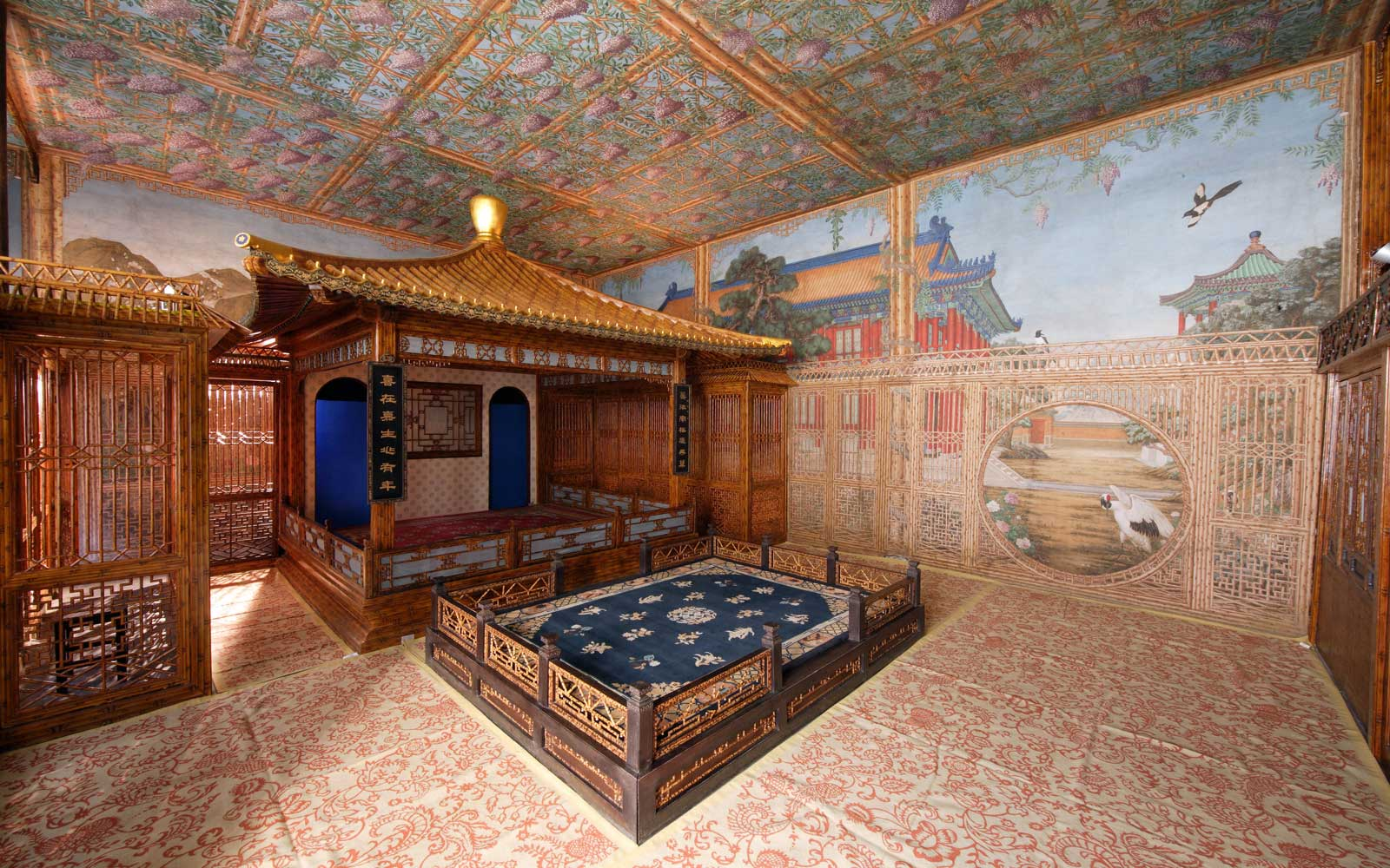 The Juanqinzhai theater room has already been restored.