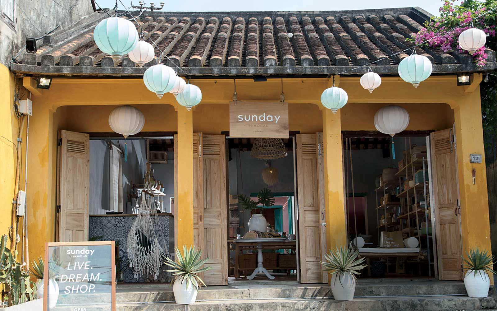 Sunday in Hoi An shop