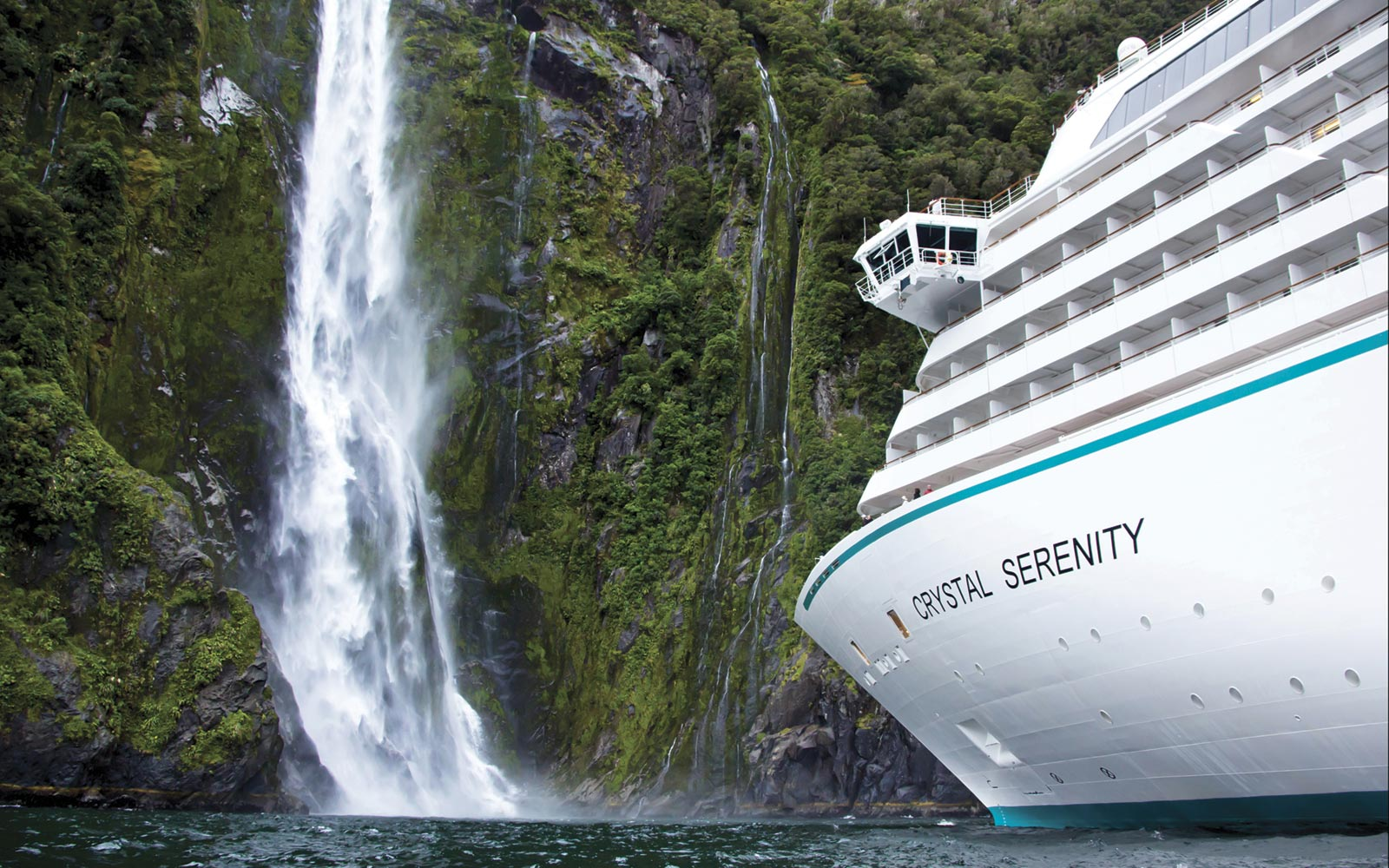 Crystal Cruises, Crystal Serenity at the Milford Sound, New Zealand