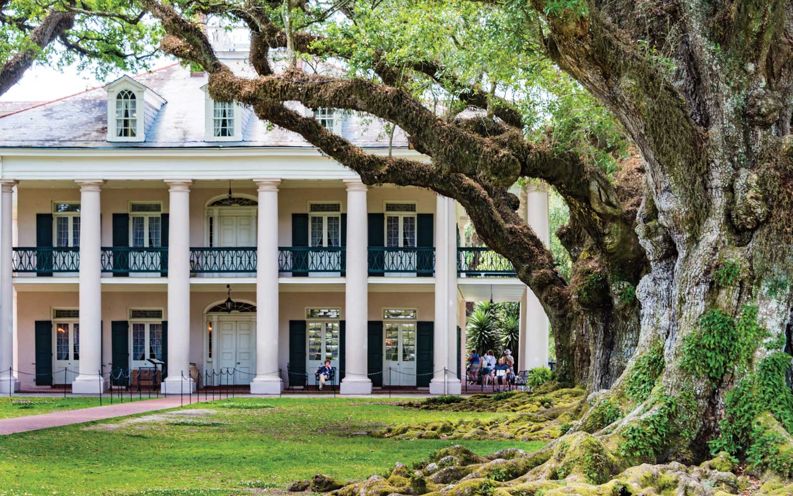Oak Alley Plantation, Louisiana, in Spring