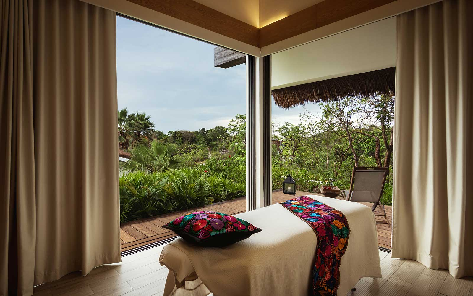 Andaz Mayakoba spa treatment room