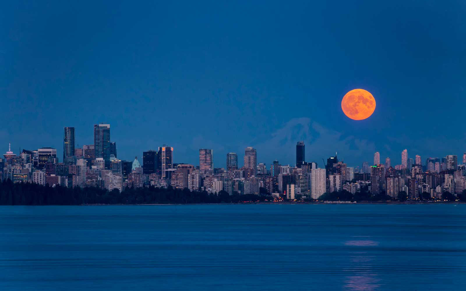 Full moon over Vancouver, Canada