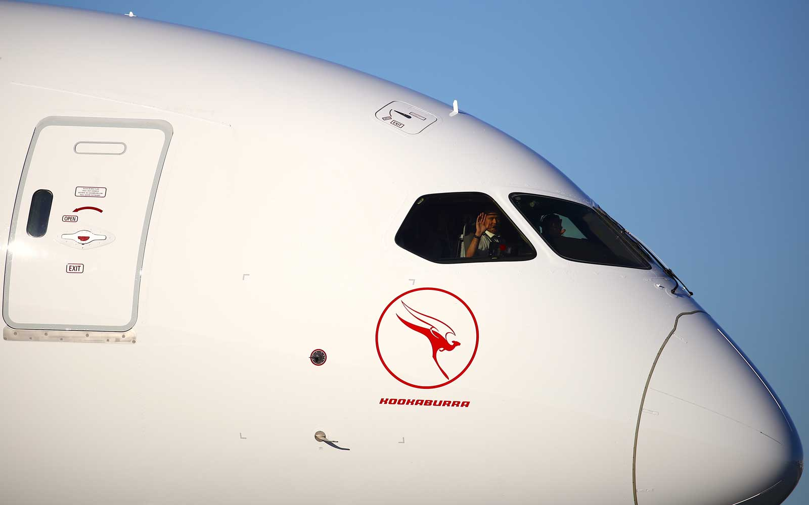 Qantas sets record with nearly 20-hour commercial flight from New York to Sydney