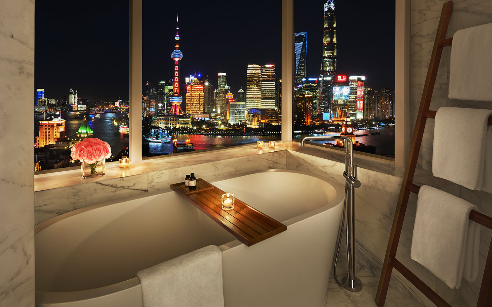 Bathtub at Shanghai EDITION overlooking skyline