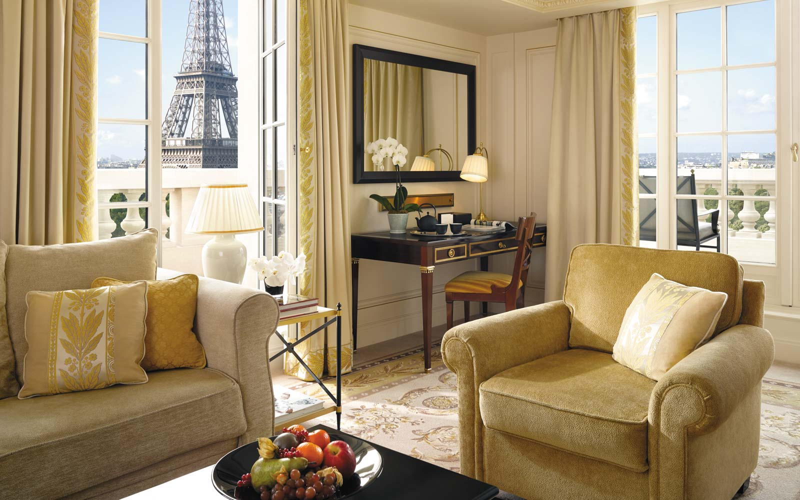 Shangri-La Hotel in Paris, view from the Eiffel Suite