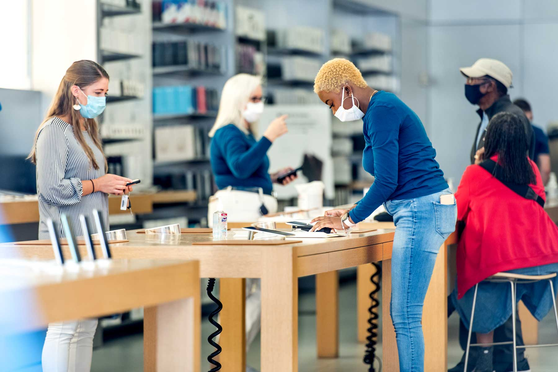Apple Re-Opens Retail Store In Charleston, SC Despite COVID-19 Pandemic