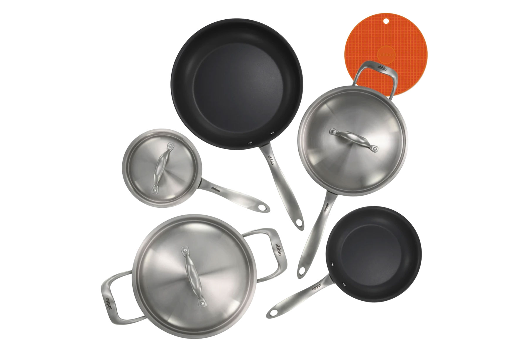 Stainless steel and cast iron cookware set