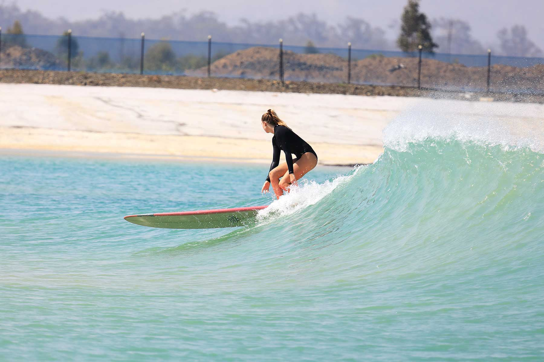 Surf Lakes in Australia, a large wave pool for surfing
