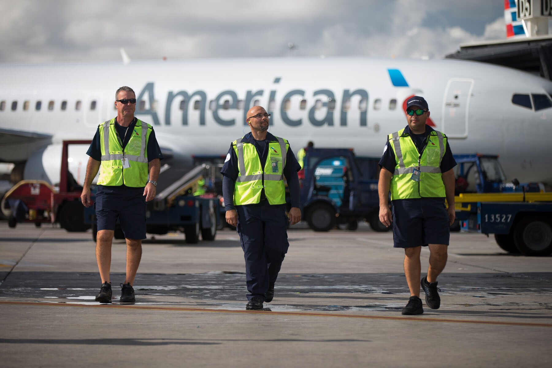 American Airlines tarmac employees