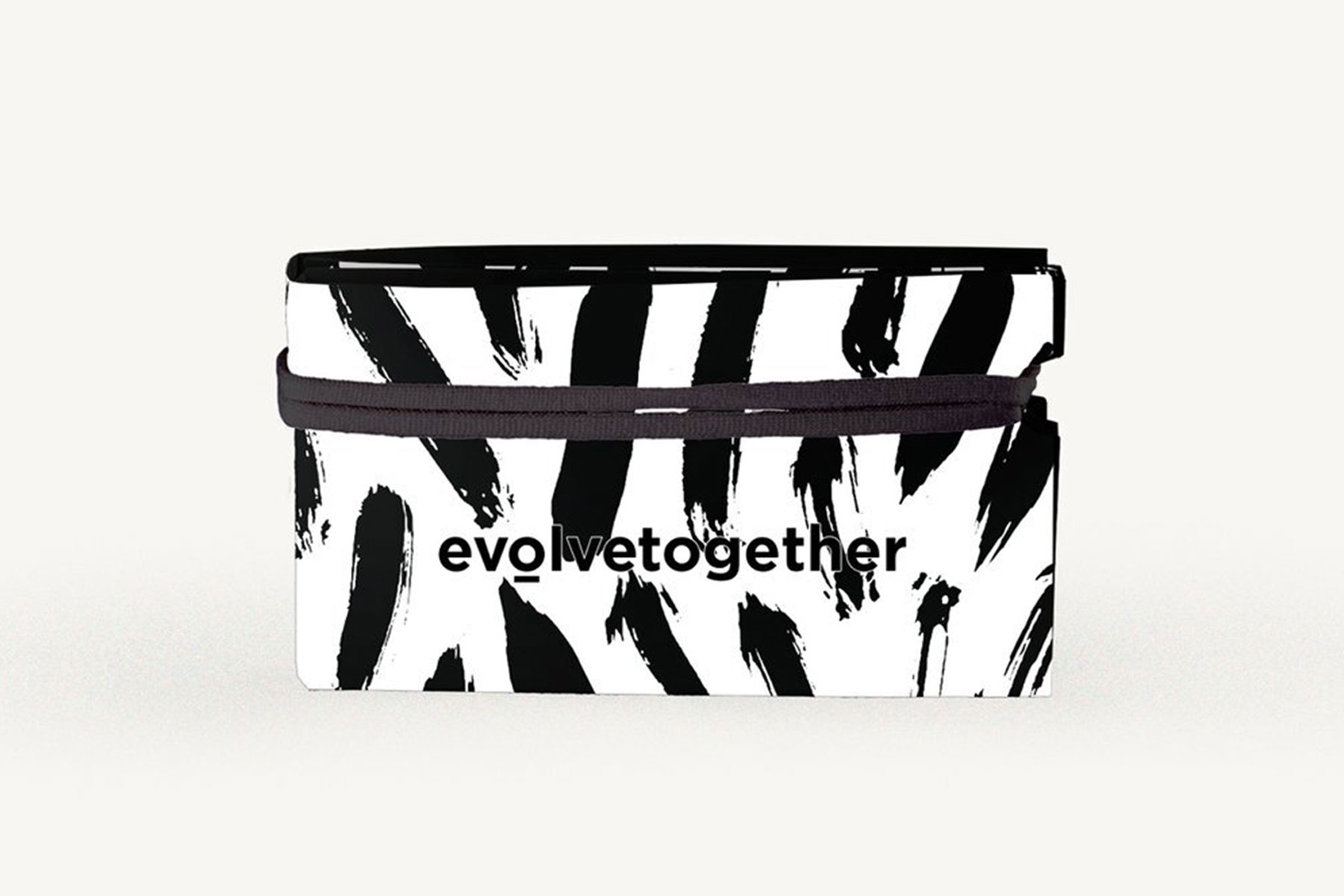Black and white print zippered pouch