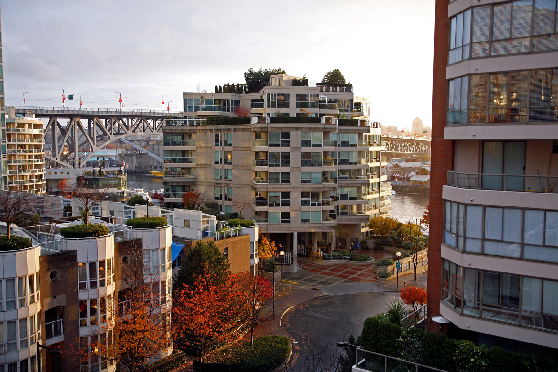 Highrise Living and Rooftop Gardens False Creek Vancouver