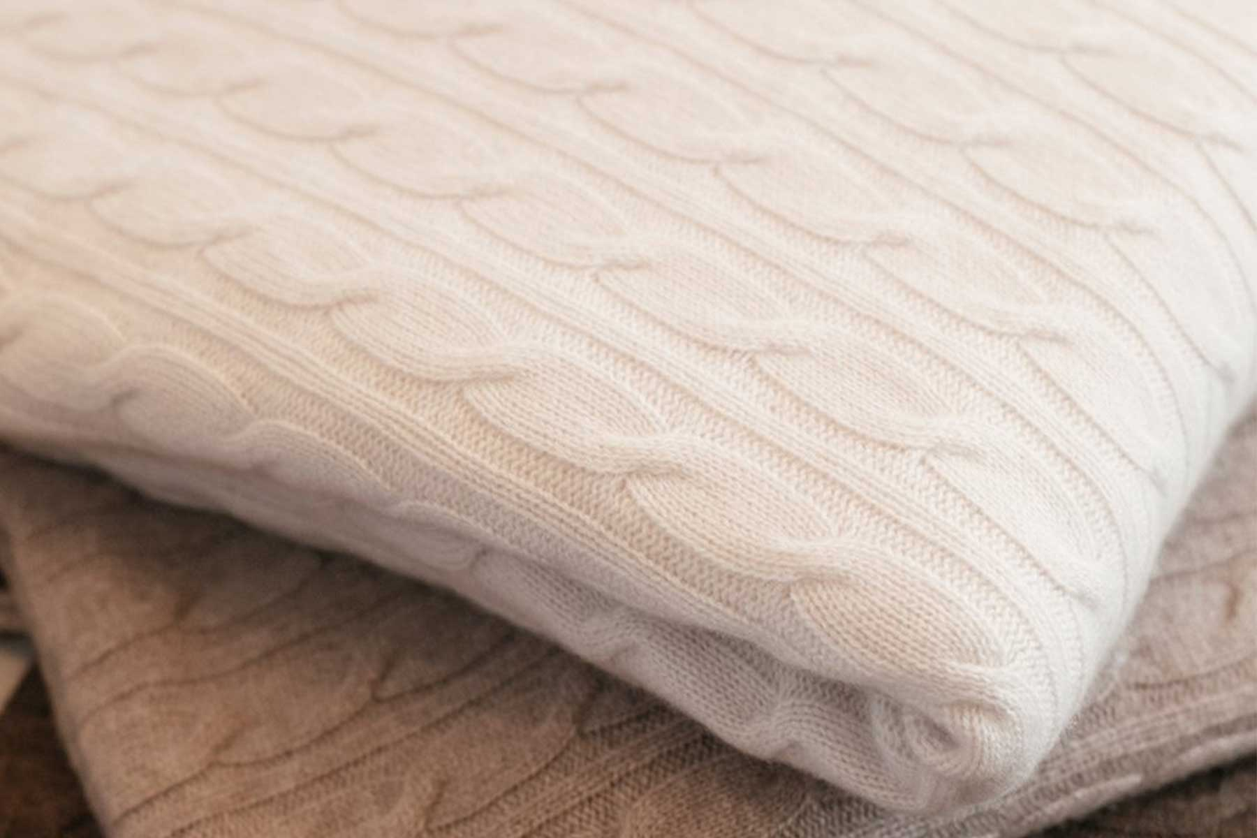 NAKEDCASHMERE 'Abbey' Cable Blanket