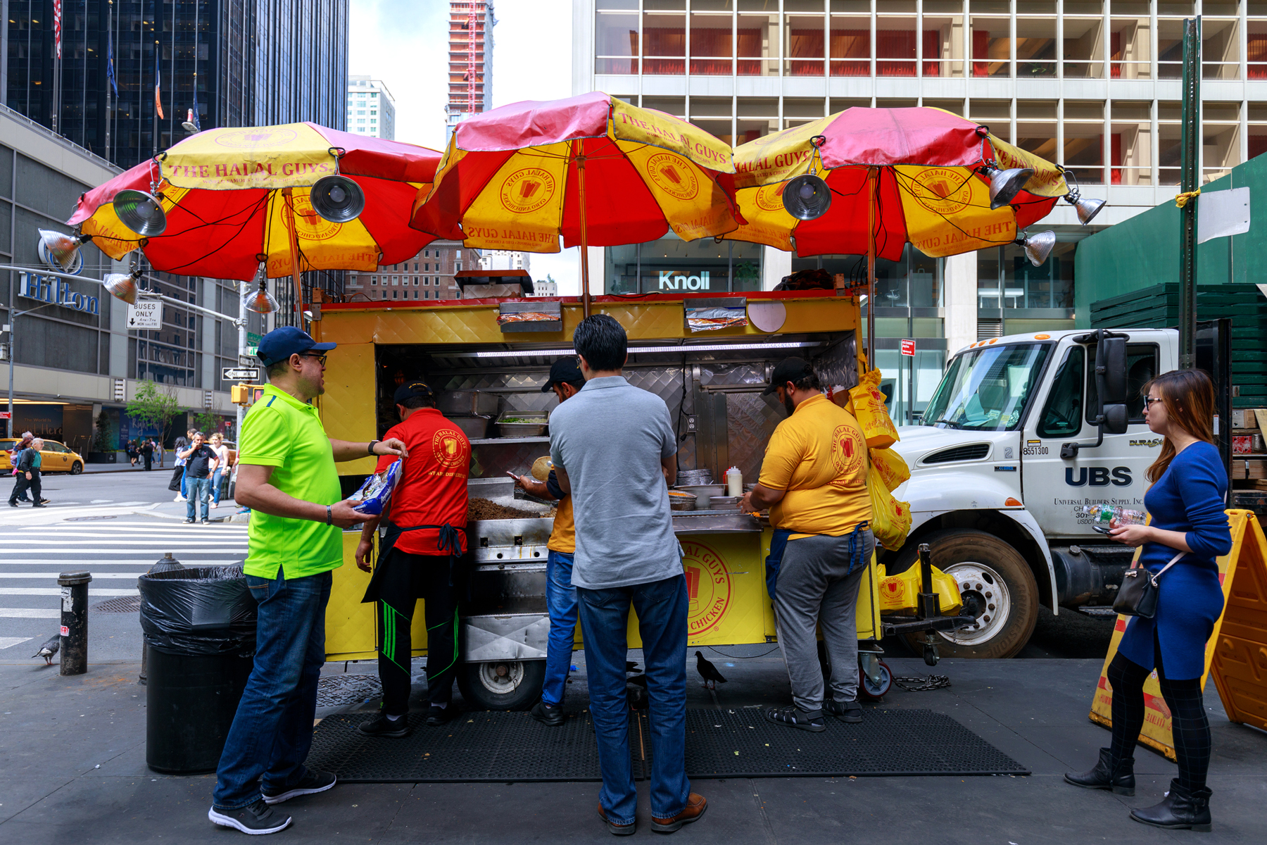 The Halal Guys, Street food in New York City
