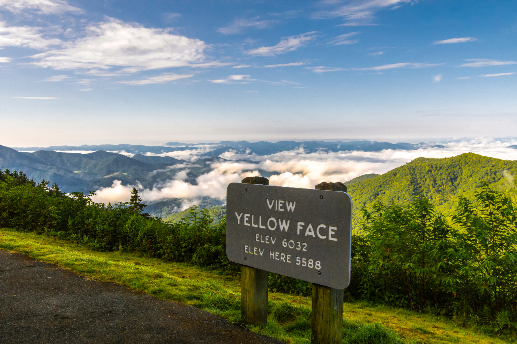 High elevation overlook along the mountains of the Blue Ridge Parkway near Asheville, North Carolina.