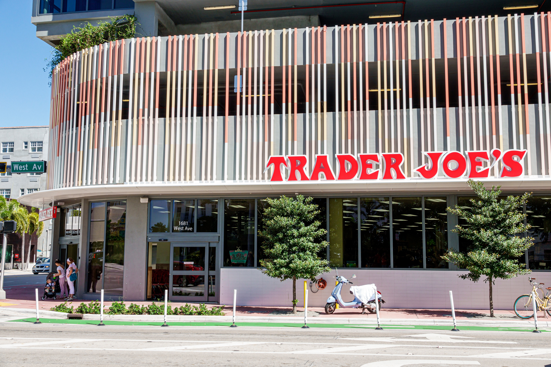 Trader Joe's grocery store exterior