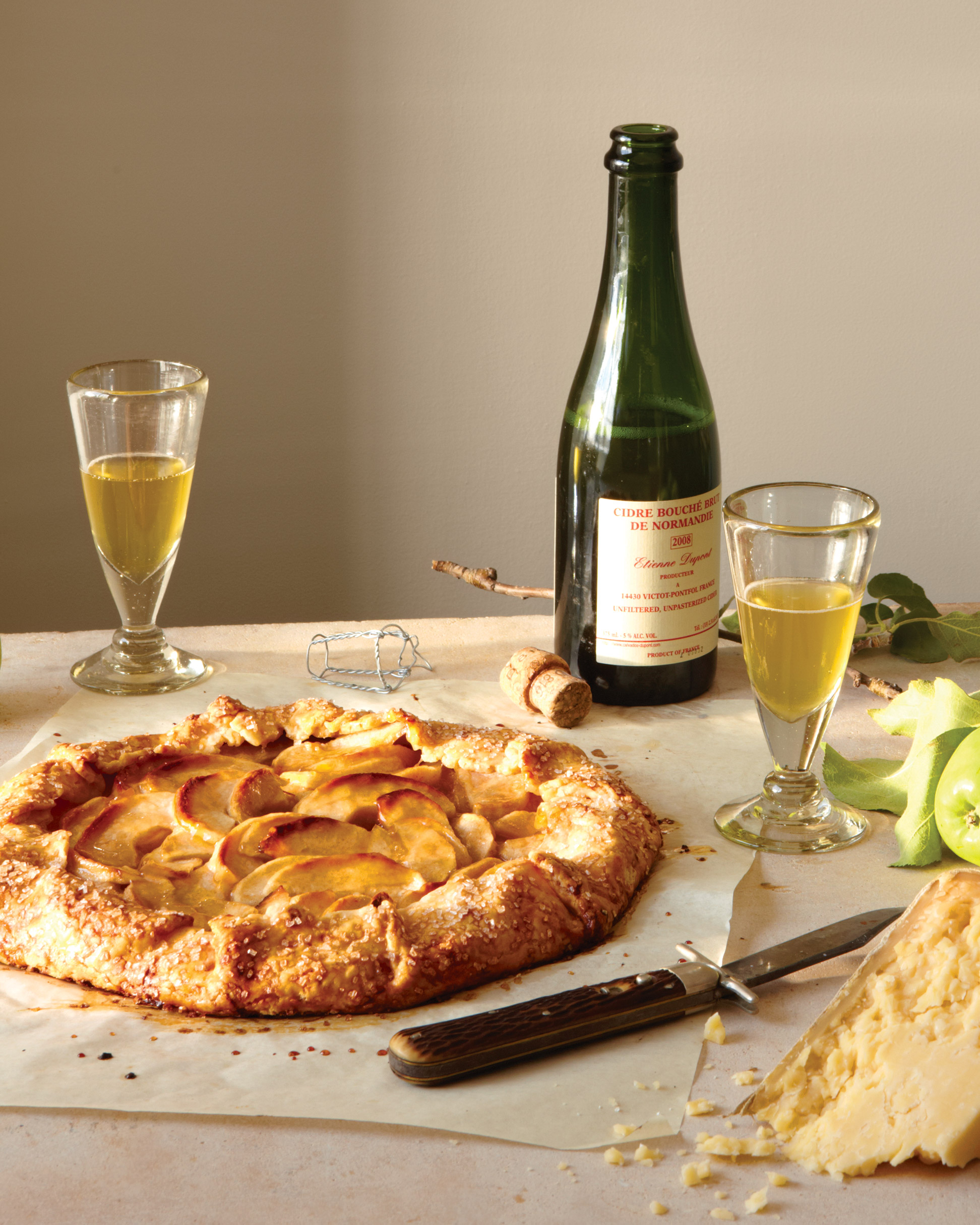 Apple Crostata with Cheddar Crust