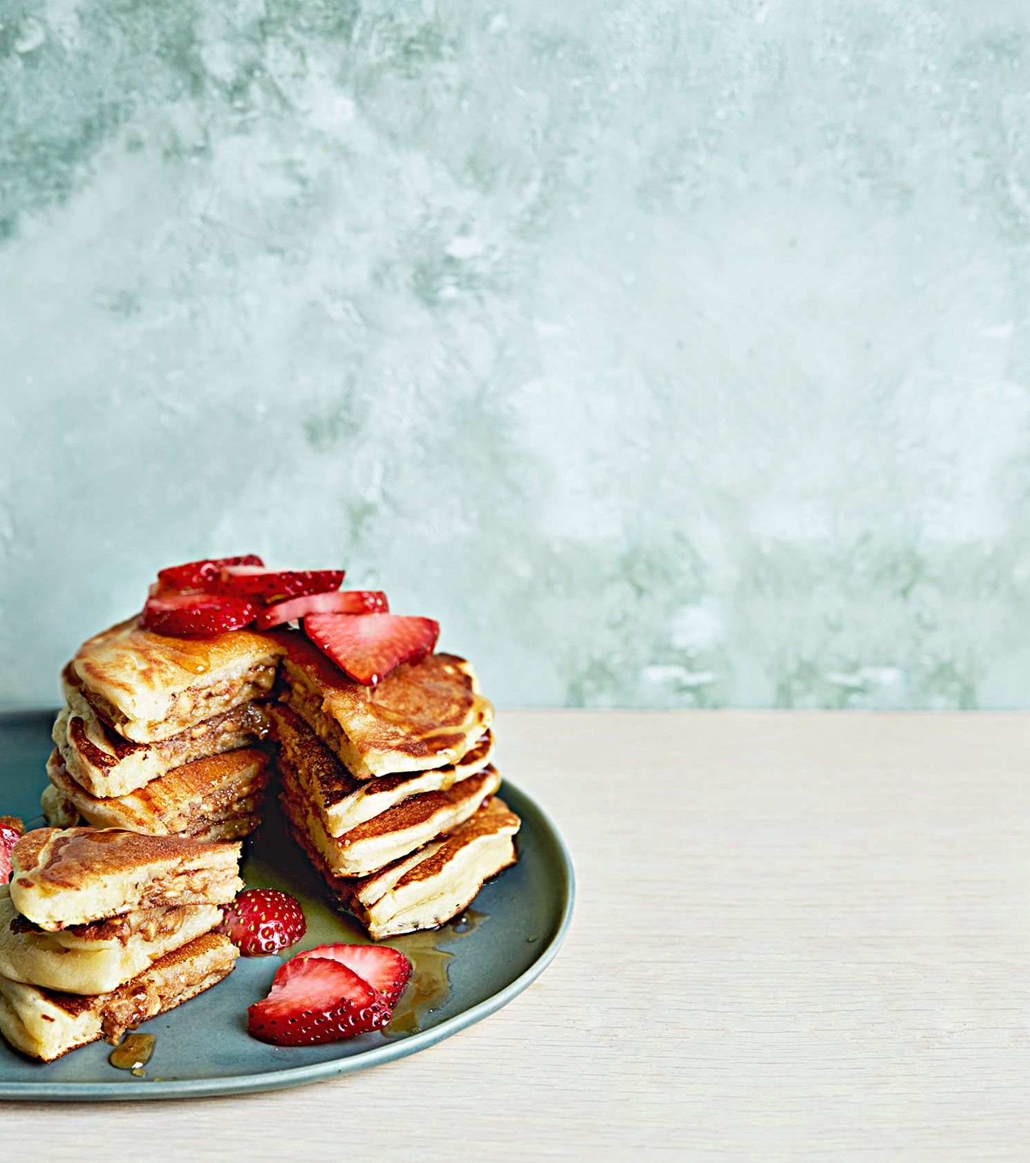 peanut butter and berries pancakes