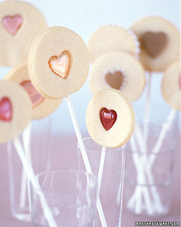 Valentine Sandwich Cookie Pops