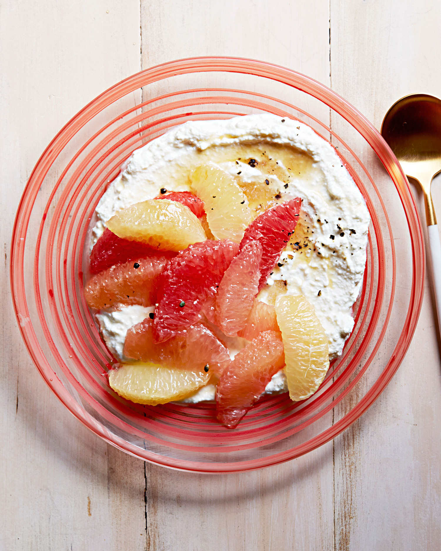 grapefruit-and-ricotta-with-cardamom-honey-102817864.jpg