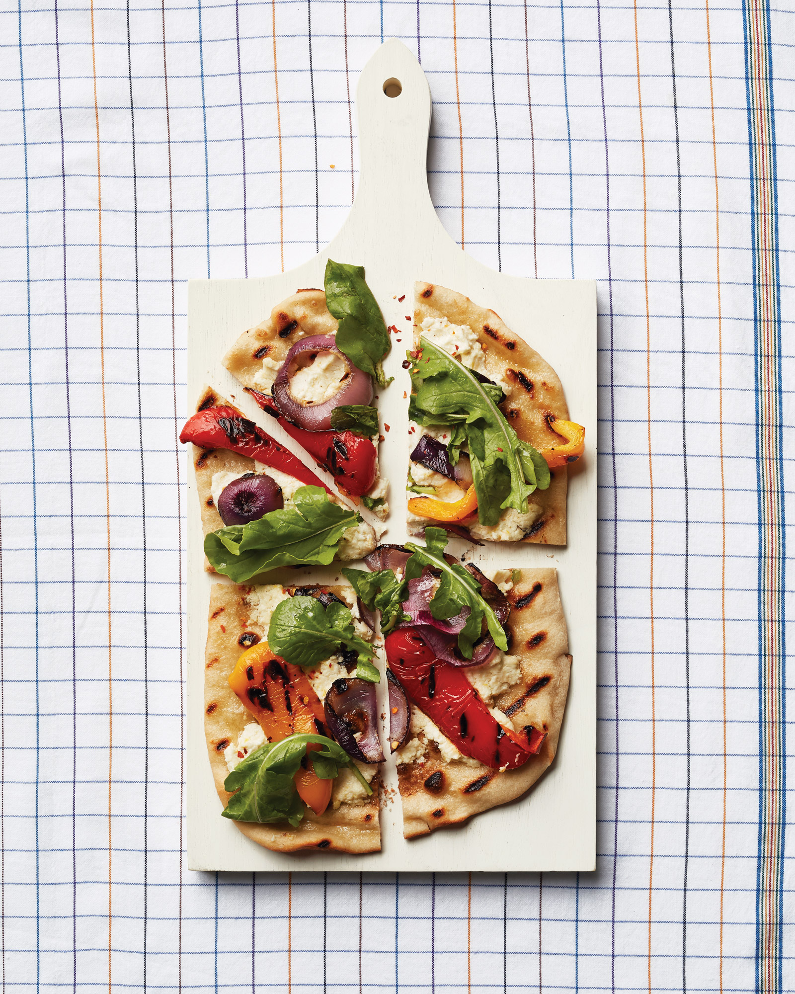 grilled-pepper-and-onion-pizza-card-157-d112910.jpg