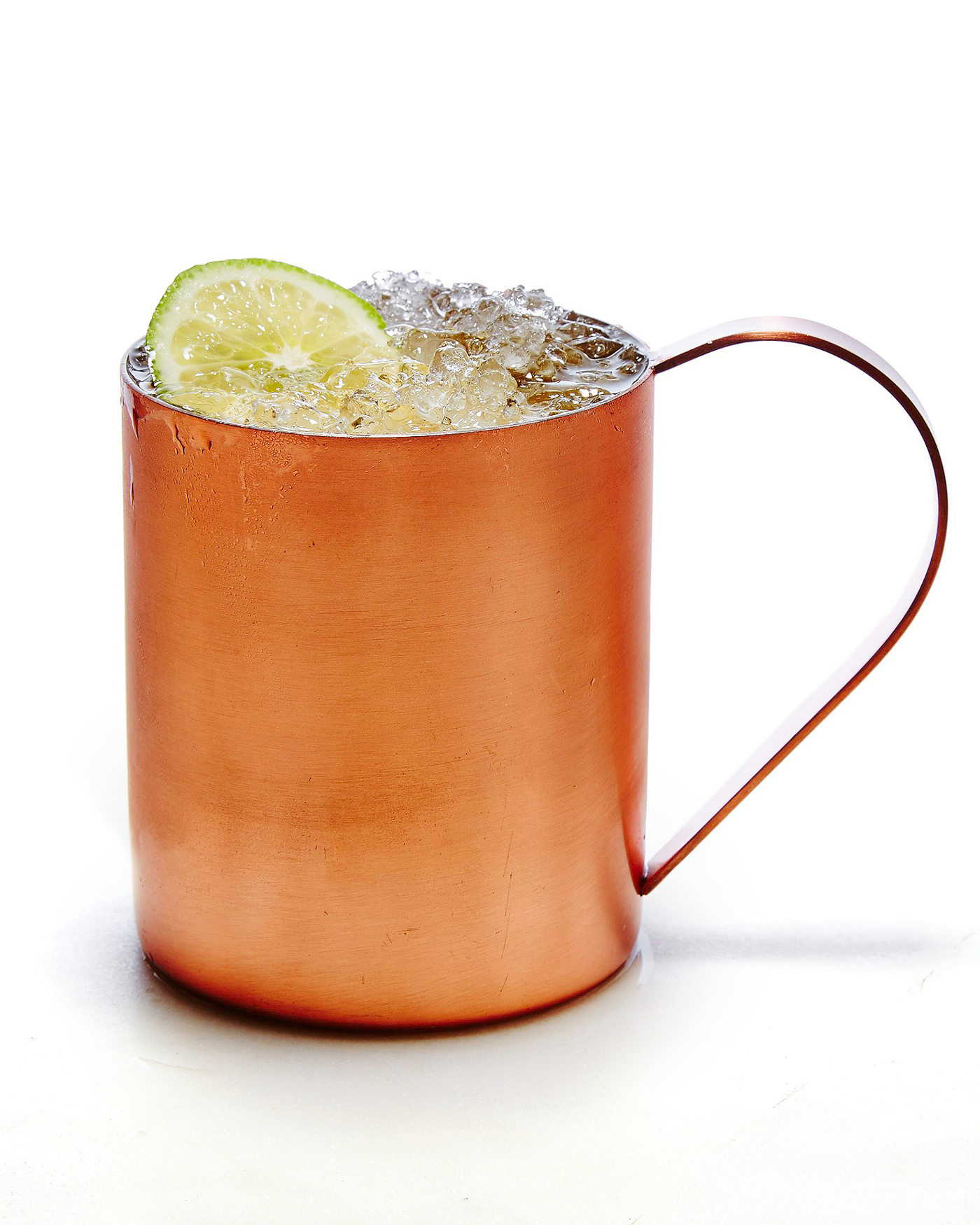 moscow-mule-cocktail-102882437.jpg