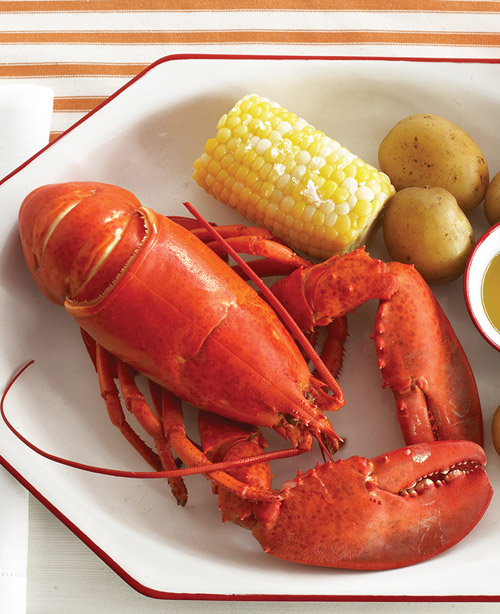 Annie Hall : Boiled Lobsters with Corn and Potatoes