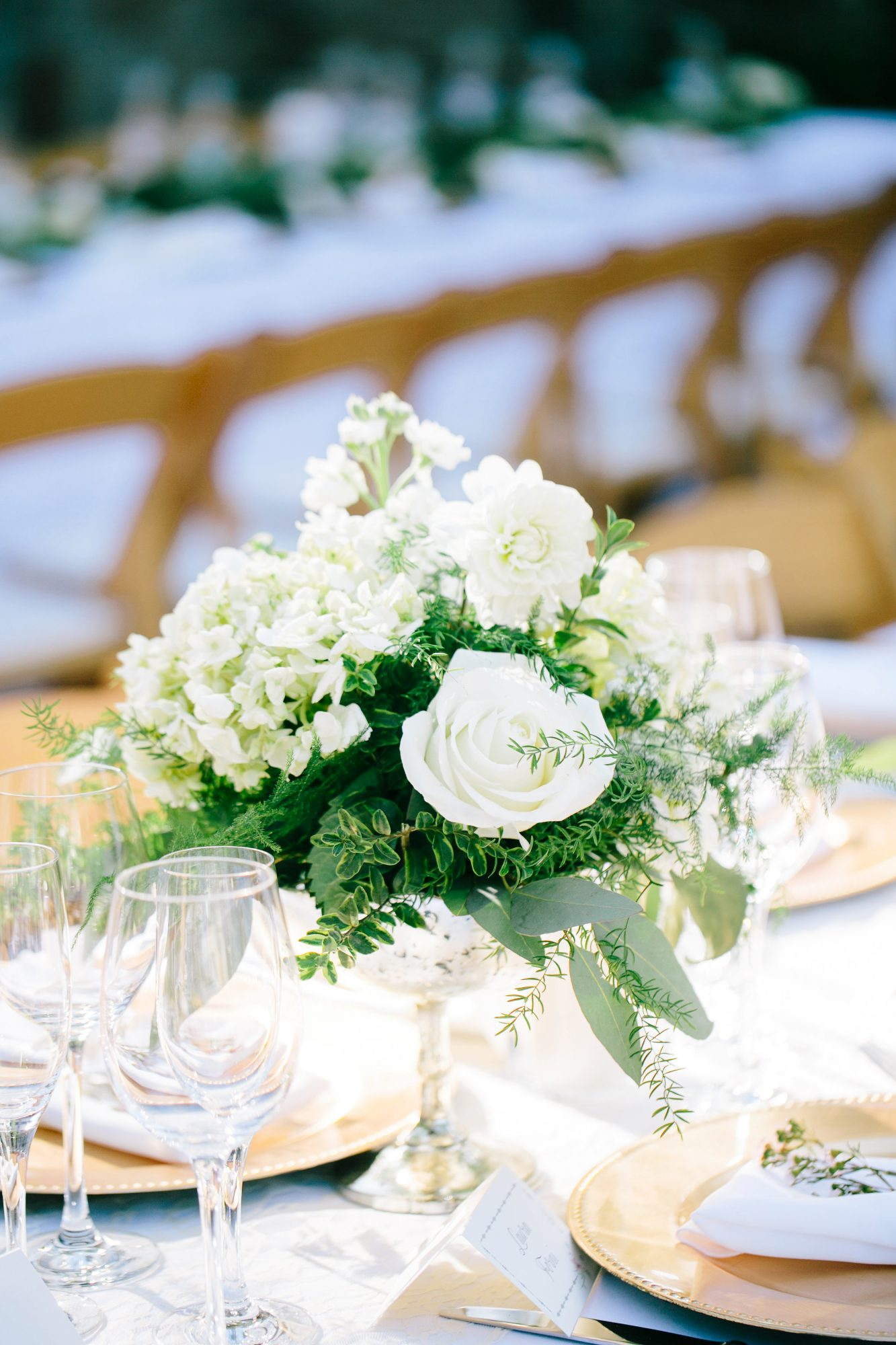 white roses flowers wedding centerpieces