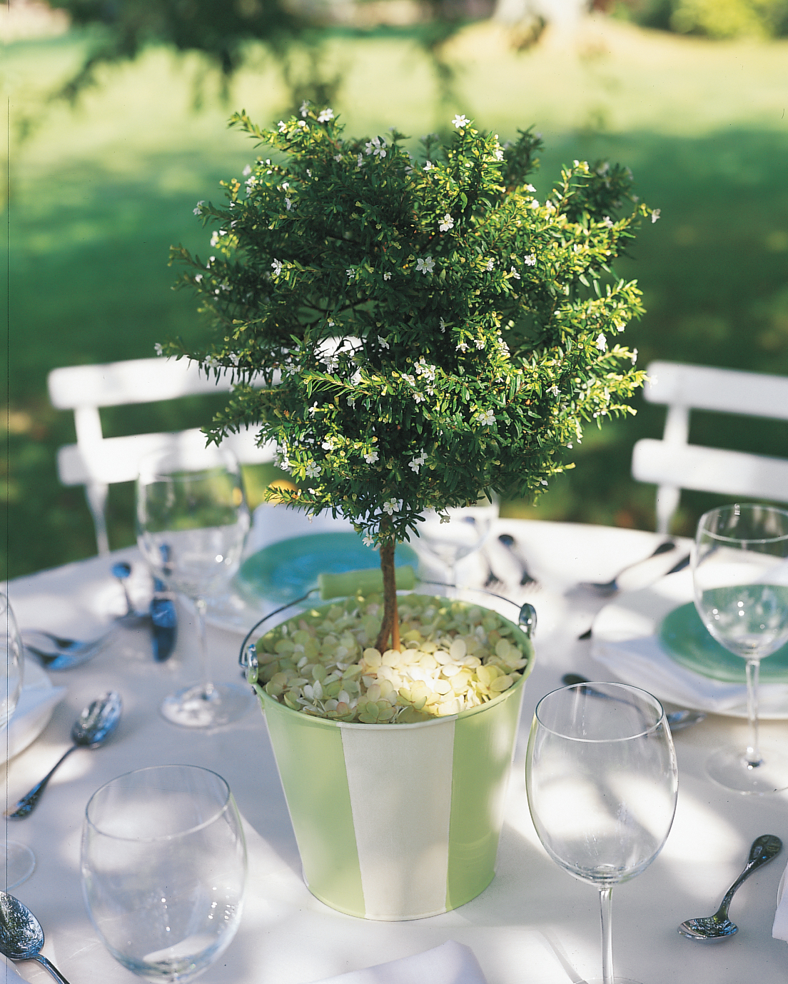 diy-beach-wedding-ideas-sand-bucket-tree-centerpiece-w98-0615.jpg